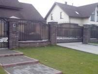 металлические заборы для частного дома фото